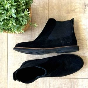 Lacoste suede booties 7.5